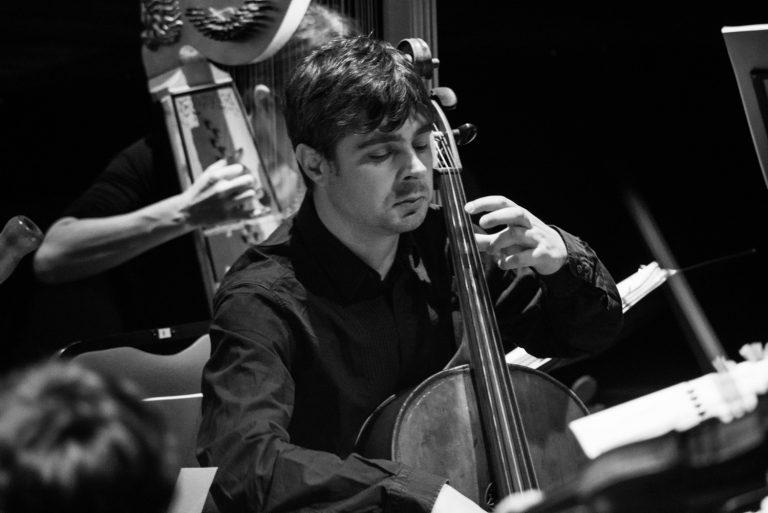 Pavel Serbin wiolonczela